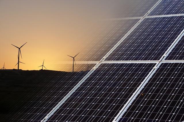 Fondu entre des eoliennes et des panneaux photovoltaiques